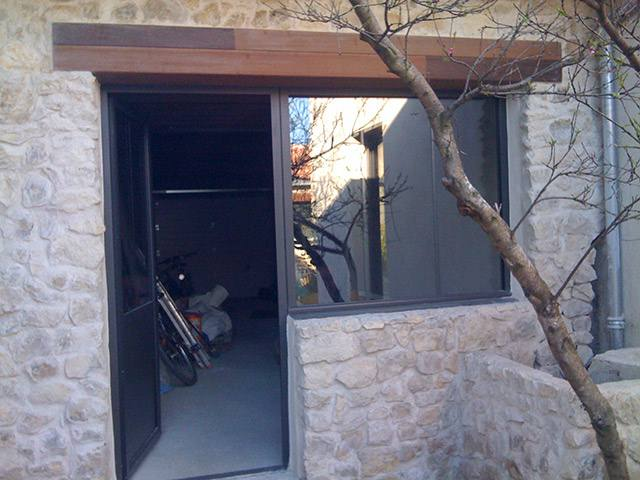 porte porte de garage rochefort votre menuisier la rochelle rochefort. Black Bedroom Furniture Sets. Home Design Ideas